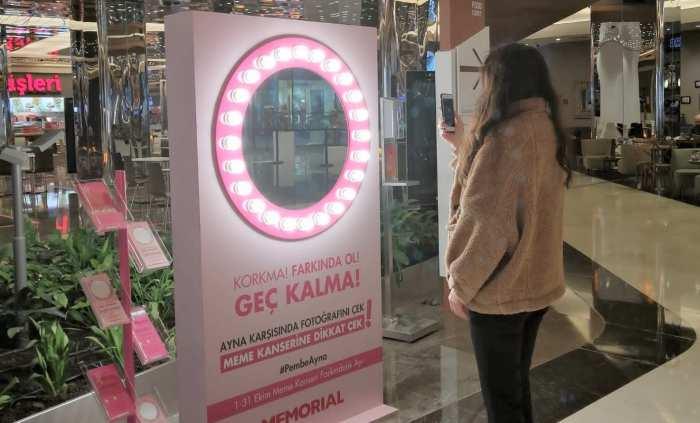 """MEME KANSERİ FARKINDALIĞI İÇİN """"PEMBE AYNA"""" SENİNLE!"""