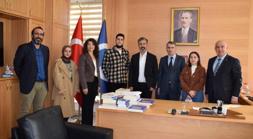 Turizm Fakültesi'ne dereceyle yerleşen öğrencilere başarı belgeleri verildi