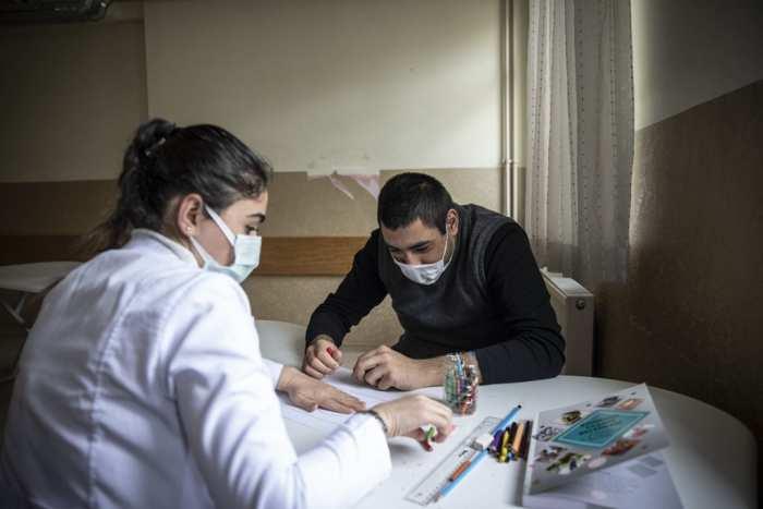 """""""Beni Fark Et"""" Projesiyle Devlet Korumasında Yetişen Çocuklara Otizm Taraması Yapılıyor"""