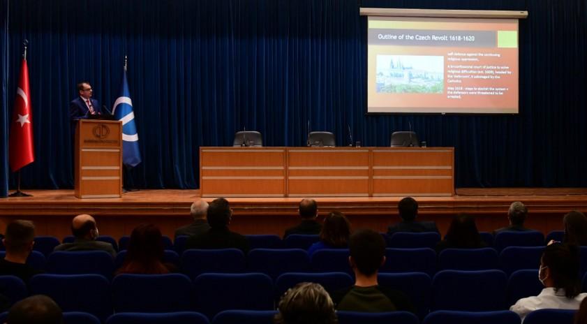 Anadolu Üniversitesi'nde Doç. Dr. lvo Cerman tarafından Çekya Tarihi dersi verildi