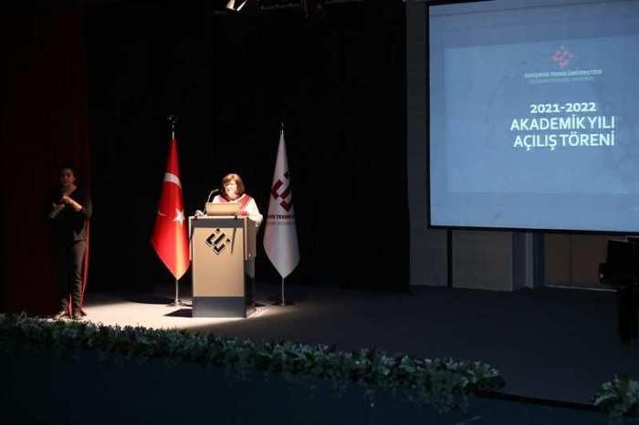 Eskişehir Teknik Üniversitesi 2021-2022 Akademik Yılı Törenle Açıldı