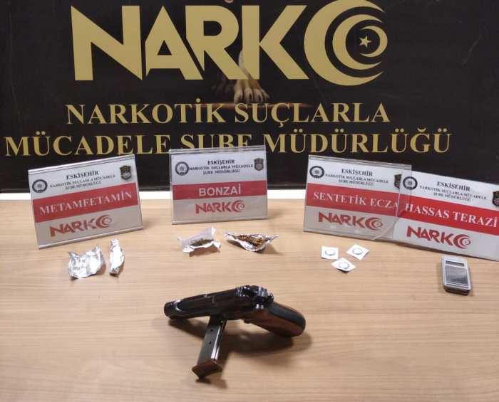 Uyuşturucu operasyonunda yakalanan 9 zanlıdan 1'i tutuklandı